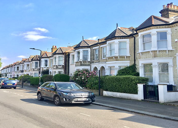 Thumbnail 3 bed flat to rent in Elms Crescent, London