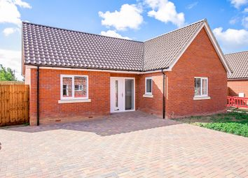 The Oaks, Beaumont Road, Great Oakley, Harwich CO12. 3 bed detached bungalow