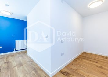 Thumbnail Studio to rent in Winchester Place, Highgate, London