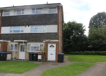 2 bed maisonette to rent in Sunningdale Gardens, Kingsbury, London NW9