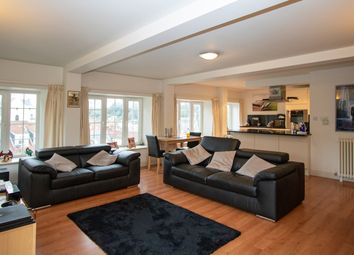 Thumbnail 2 bed flat to rent in Vauvert, St Peter Port