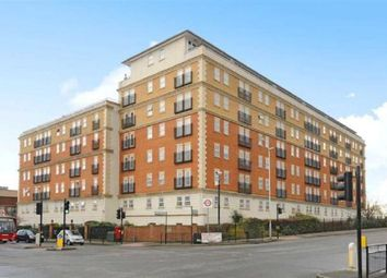 Kings Lodge, Ruislip HA4. 2 bed flat