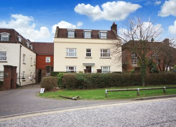 Thumbnail 2 bed flat to rent in Worthing Road, Horsham