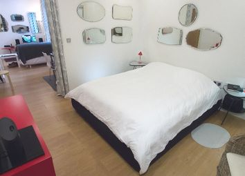 Thumbnail 1 bed flat to rent in Wandsworth Road, Vauxhall, London