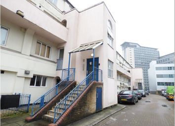 3 bed flat for sale in Boston Manor Road, Brentford, Middlesex TW8