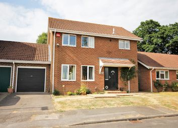 Thumbnail 3 bed link-detached house for sale in Lower Heyshott, Petersfield