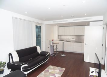 Thumbnail 1 bed flat to rent in Wandsworth Road, Vauxhall