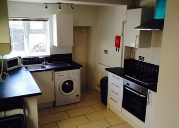 Thumbnail 5 bedroom property to rent in Dogfield Street, Cathays, Cardiff