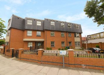 Thumbnail 2 bed flat to rent in Heather Gardens, Brent Cross, London