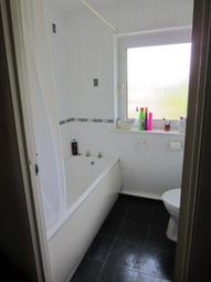 Thumbnail 1 bed flat to rent in Queens Lawns Alexandra Road, Reading, Berkshire