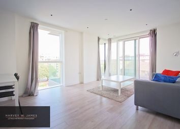 Thumbnail Room to rent in Skyline Apartments, Finsbury Park