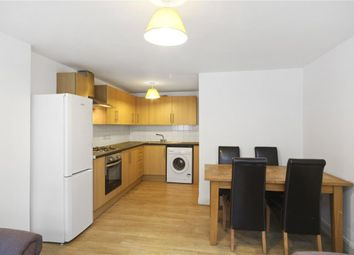 3 bed flat to rent in Mount View Road, London N4