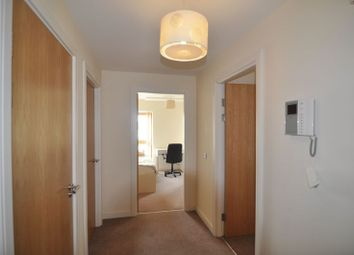 Thumbnail 2 bed flat to rent in Horizon, Broad Weir