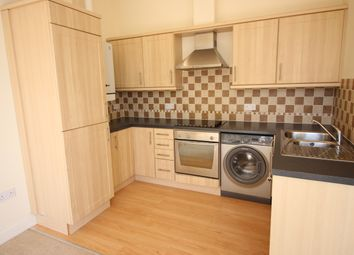 2 bed flat to rent in Greenway Road, Chelston, Torquay TQ2