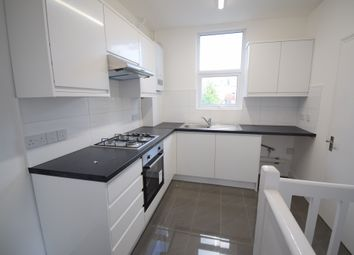 Thumbnail 3 bed flat to rent in Temple Road, Cricklewood, London