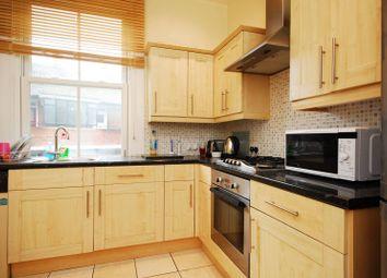 3 bed flat to rent in Queenstown Road, Battersea, London SW84Lh SW8