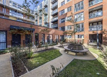 Colonnade Gardens, London W3. 1 bed flat