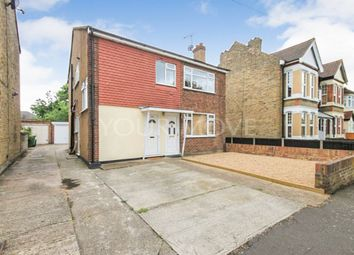 2 bed flat for sale in Lawrence Road, Gidea Park, Romford RM2