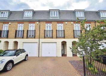 3 bed property to rent in Elizabeth Gardens, Isleworth TW7