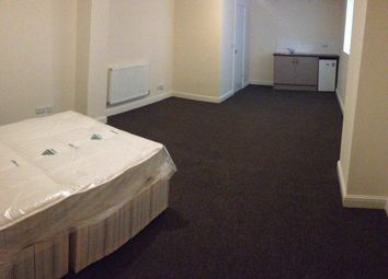 Thumbnail Studio to rent in Doncaster Road, Barnsley