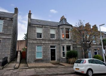3 bed flat to rent in Grosvenor Place, Aberdeen AB25