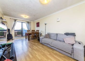 2 bed flat to rent in Maple Mews, London SW16