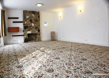 Thumbnail 3 bed bungalow to rent in Addiscombe Road, Croydon