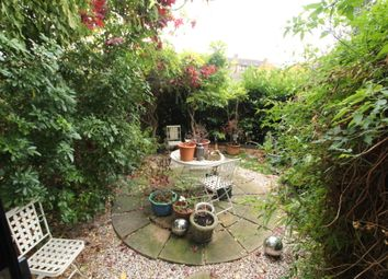 Thumbnail 5 bedroom terraced house to rent in Old Bellgate House, Westferry Rd