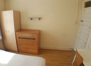 Room to rent in Alexander House, Docklands / Canary Wharf E14