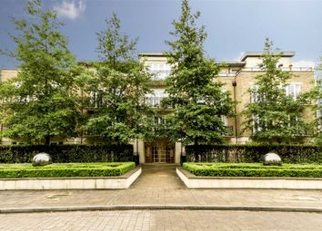 Thumbnail 3 bed flat to rent in Whitcome Mews, Kew, Richmond