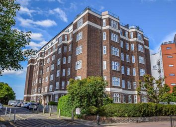 St. Clements Court West, Leigh-On-Sea, Essex SS9. 3 bed flat
