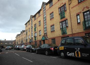 Thumbnail 2 bed flat to rent in Stainsbury Street, London