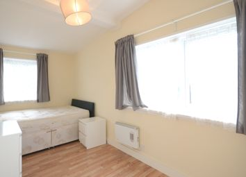 Thumbnail Studio to rent in Station Parade, Station Hill, Cookham, Maidenhead
