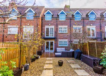 Bernardines Way, Buckingham MK18. 3 bed terraced house for sale