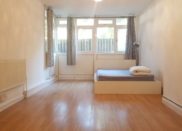 3 bed flat to rent in Crowder Street, London E1