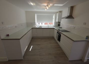 Thumbnail 2 bedroom flat to rent in Gainsborough Road, Clarendon Park