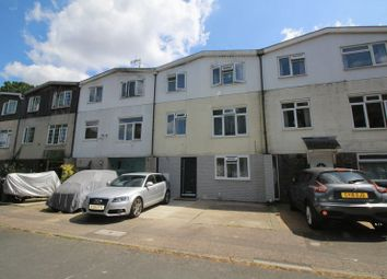 Thumbnail 5 bed town house for sale in Burwash Road, Crawley