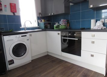 Thumbnail 4 bed flat to rent in Hawkins Street, Preston