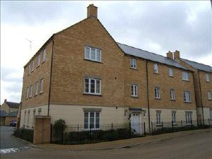 2 bed flat to rent in Harvest Grove, Witney OX28