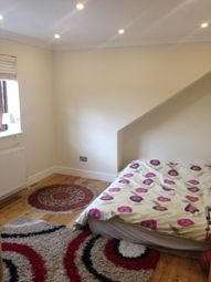 Thumbnail Room to rent in Cotswold Gardens, Brent Cross