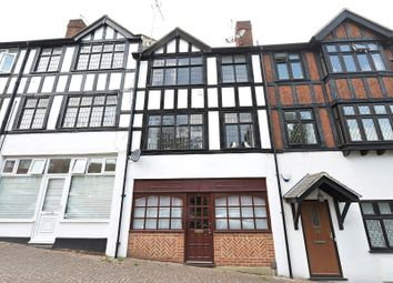 2 bed maisonette for sale in Cleave Avenue, Farnborough, Kent BR6