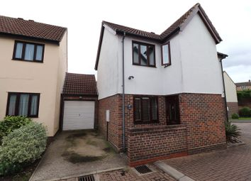 Kilnfield, Ongar, Essex CM5. 3 bed detached house
