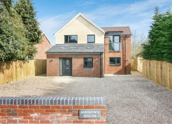 Thumbnail 3 bed flat for sale in Oxford Road, Kidlington