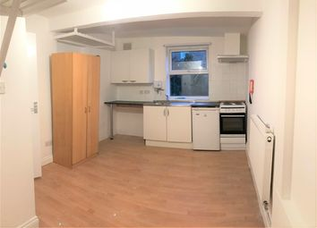 Thumbnail Room to rent in Evering Road, Stoke Newington, London