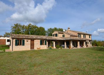 Thumbnail Country house for sale in Massa Fermana, Massa Fermana, Fermo, Marche, Italy