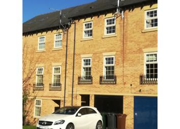 4 bed terraced house to rent in Heathfields, Barnsley S70
