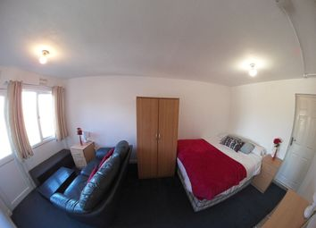 1 bed property to rent in Sabina Close, High Wycombe HP12