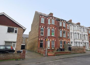 2 bed flat to rent in Westbrook Road, Margate CT9