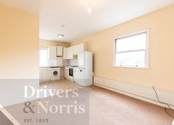 3 bed flat to rent in Westbourne Road, Highbury, London N7