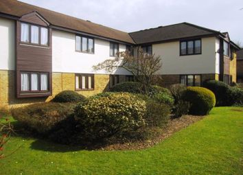 Thumbnail 2 bed flat to rent in George Street, Staines, Middlesex